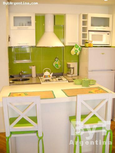 Open Kitchen & Breakfast Bar